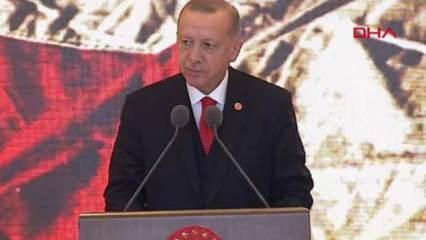 Erdoğan Sancağı gösterip Atatürk'ün sözlerini hatırlattı! Son dakika açıklamaları
