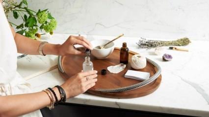Bin bir derde derman: Aromaterapi spreyi nasıl hazırlanır? Aromaterapi yağında neler vardır?