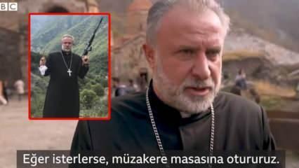 Azerbaycan'a silah çeken Ermeni papaz geri adım attı