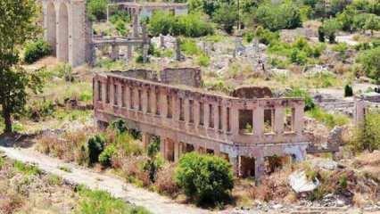 Ermenistan Ağdam'ı yakıp yıkmış: Vandallık!
