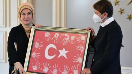 Emine Erdoğan öğretmenlerle bir araya geldi!