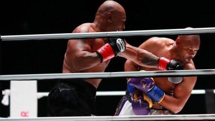 Mike Tyson 15 yıl sonra ringlere döndü!
