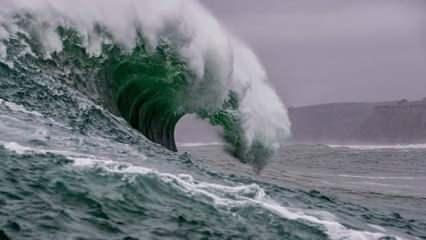 Rüyada tsunami görmek ne demek? Rüyada dev dalgalarla yüzmek neye işaret?