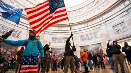 ABD'de Kongre binasına baskının ardından Beyaz Saray'da 3 istifa