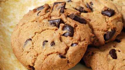 En kolay damla çikolatalı kurabiye nasıl yapılır?