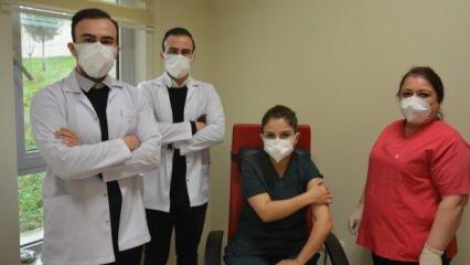Tek yumurta ikizi doktorlar aynı hastanede koronayla mücadele ediyor!