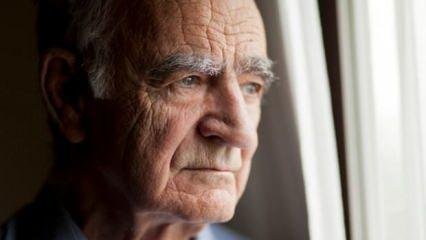 Rüyada yaşlı adamla konuşmak ne anlama gelir? Rüyada yaşlı adamın elini öpmek hayırlı mıdır?