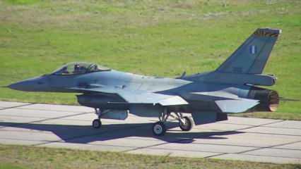 'Viper' seviyesine yükseltilmiş ilk Yunan F-16'sı uçuşunu yaptı