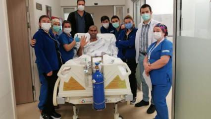 22 gün entübe 52 gün yoğun bakımda kalan koronavirüs hastası yaşadıklarını anlattı