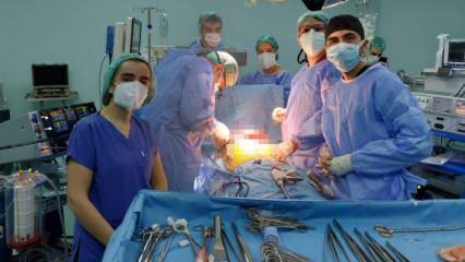 Koşuyolu Yüksek İhtisas Hastanesi'nde mucizevi gece: Aynı anda 3 ameliyat yapıldı!