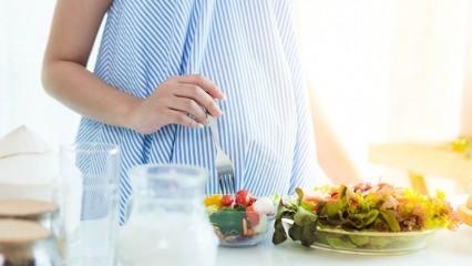 Hamilelikte sağlıklı beslenme! Hamilelikte çift kişilik beslenme doğru mu?