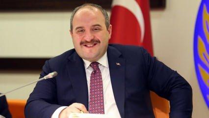 Mustafa Varank Clubhouse'a katılan ilk bakan oldu