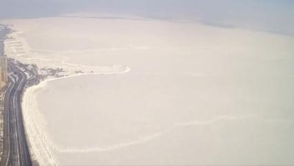 -30 derece sonrası donan Michigan Gölü'nün çözülmeye başladığı anlar!