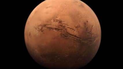 """Çin'in keşif aracı """"Tienvın-1"""", Mars'ın etrafında seyrettiği yörüngesini düzeltti"""