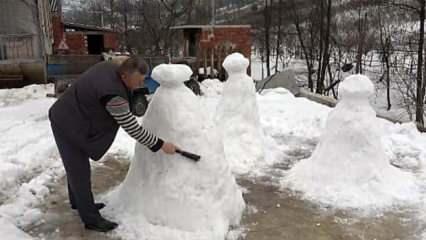 Düzceli çiftçi en büyük hayali olan peri bacalarına gidemeyince kardan heykelini yaptı!