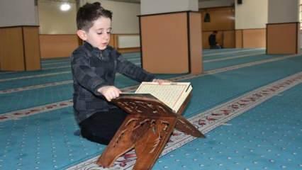 Henüz 4 yaşındayken Kuran-ı Kerim'i hatmeden minik Abdulselam'in yaşından büyük başarısı!