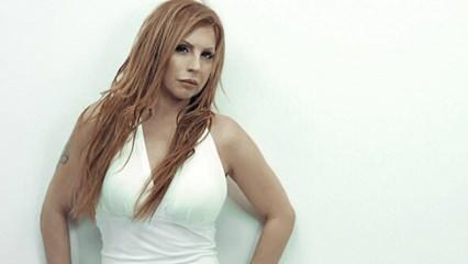 Ünlü şarkıcı Zeynep Dizdar'ın acı günü... Gözyaşları sel oldu!