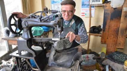 90 yaşındaki ayakkabı ustası 75 yıllık mesleğine veda etti