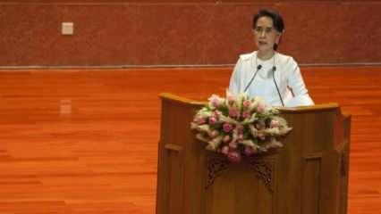 Myanmar'da devrik lider Suu Çii'nin gözaltı süresi uzatıldı