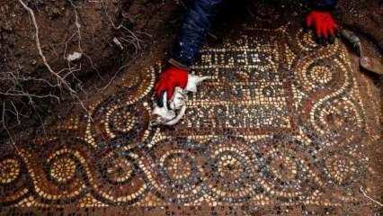 Kaçak kazı sırasında 1500 yıllık mozaik bulundu! Dikkat çeken yazı