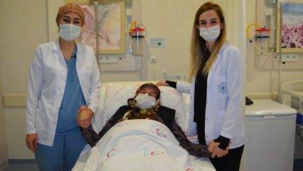 Karın ağrısı şikayetiyle giden hastadan 20 kilogram ağırlığında kitle alındı