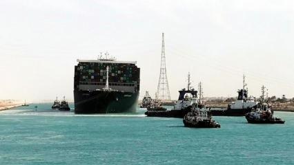 Mısır, kaza nedeniyle bekleyen 422 gemiden 113'ünün Süveyş Kanalı'ndan geçtiğini açıkladı