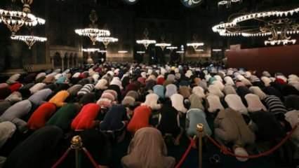 Ayasofya 87 yıl sonra Ramazan'a kavuşuyor