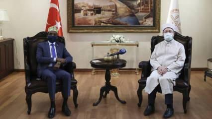 Diyanet İşleri Başkanı Erbaş, Somali Din ve Evkaf Bakanı Roble ile bir araya geldi