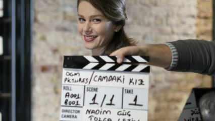 Şarkıcı Demet Akalın 'Camdaki Kız' dizisini eleştirdi!