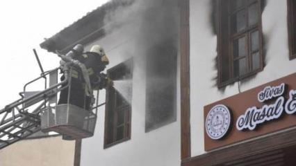 Bakan Selçuk'un açtığı Masal Evi'nde korkutan yangın
