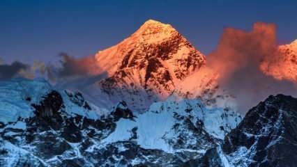 Everest'te ilk koronavirüs vakası görüldü
