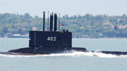 Endonezya'ya ait denizaltı ile irtibat koptu: 53 denizciden haber alınamıyor