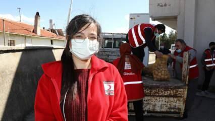 45 gönüllü genç, ihtiyaç sahiplerinin yardımına koşuyor