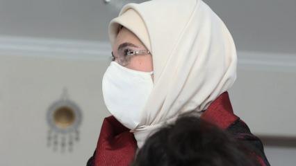 Emine Erdoğan, sevgi evinde çocuklarla bir araya geldi!