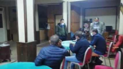 Evde ve kahvede kumar oynayan 18 kişiye ceza