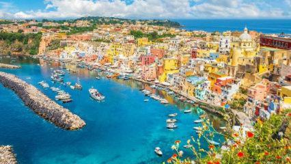 İtalya'nın ilk kovidsiz adası: Procida