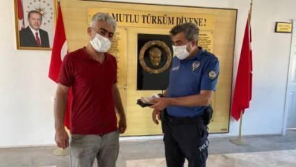 Mersin'de duyarlı vatandaş yolda bulduğu cüzdanı polise teslim etti