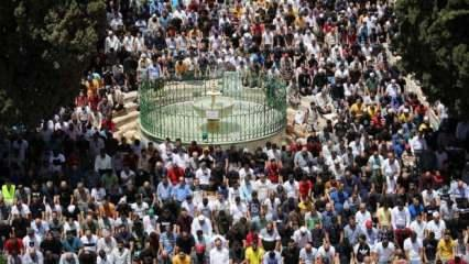 70 bin kişi Ramazan ayının son cuma namazını Mescid-i Aksa'da kıldı