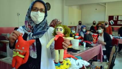Muşlu kadınlar, atık malzemelerden oyuncak üretti