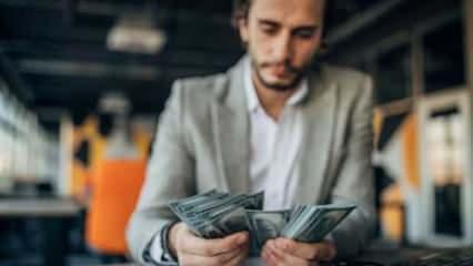CEO'ların maaşı artarken, işçilerin maaşı düştü