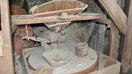 Teknoloji gelişti, asırlık su değirmeni tarih oldu