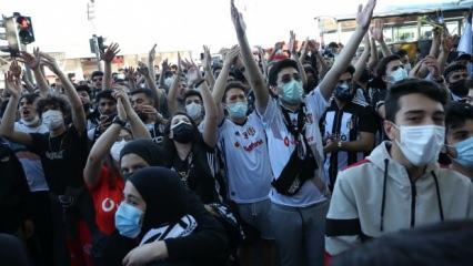 Beşiktaş Çarşı'da şampiyonluk kutlaması