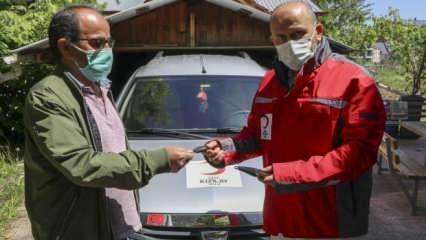 Koronavirüsten ölen babanın arabası vasiyeti üzerine Türk Kızılayı'na bağışlandı
