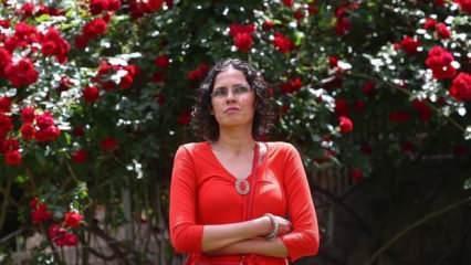 Görme engelli Şule Özcan 20 yıldır psikolojik danışman olarak görev yapıyor