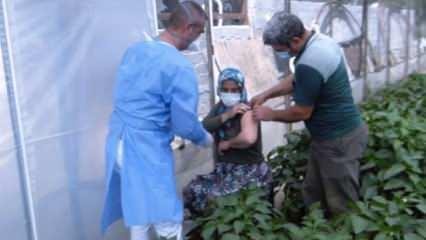 Antalya'da sağlık ekipleri çiftçi çift için 50 kilometre yol giderek aşı yaptı
