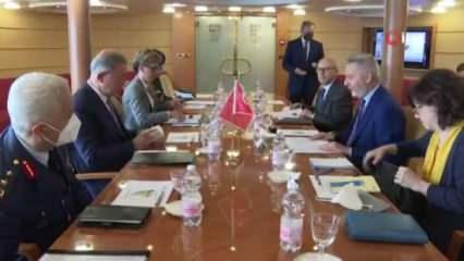 Libya ziyareti öncesi Türkiye'den üçlü görüşme hamlesi