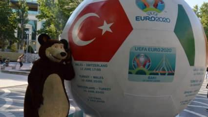 Azerbaycan halkı, Türkiye'nin maçını bekliyor!