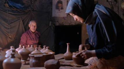Konya'da çömlek ustası 450 yıllık atölyede üniversite öğrencisi çırak yetiştiriyor