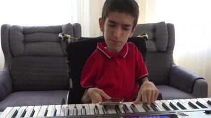 SMA hastası Umut, hayata piyano çalarak tutunuyor