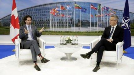 Trudeau'nun NATO zirvesine damga vuran çorapları!